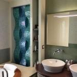 Водопад из мозаики