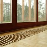 Деревянная решетка на конвектор