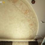 Состаренная фреска на потолке
